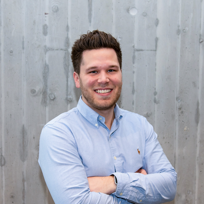 Mitarbeiter-App-Logistik-Referentin-Maximilian-Schulte