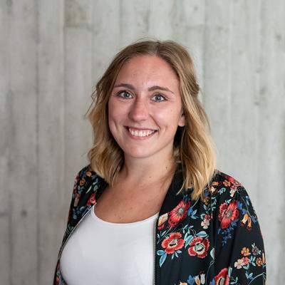 Mitarbeiter-App-Logistik-Referentin-Claudia-Buerder